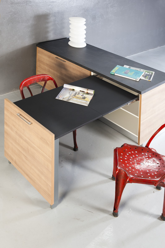EVOLUTION Pull out table frame.